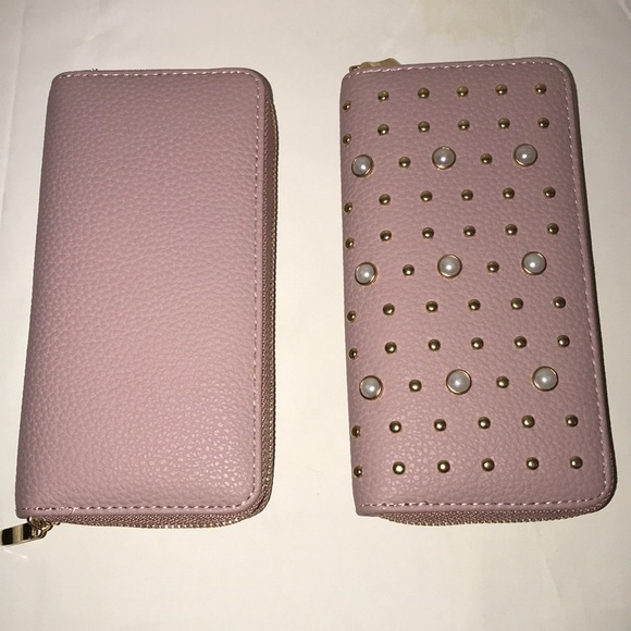 Handbags - Pearl Stud Wallet- NWOT (New without tags 🏷)
